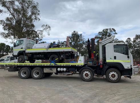 8x4 Crane / Tilt Tray Combo Truck 2