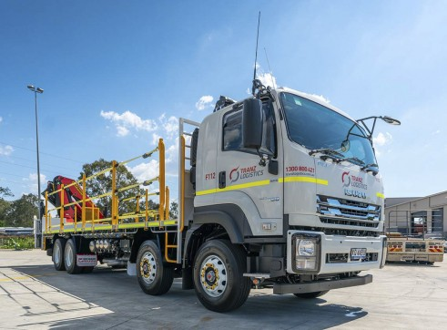 8x4 Flatdeck Crane Truck with 9m Tray 3