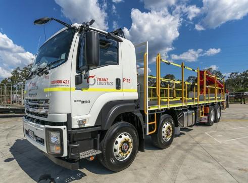 8x4 Flatdeck Crane Truck with 9m Tray 4