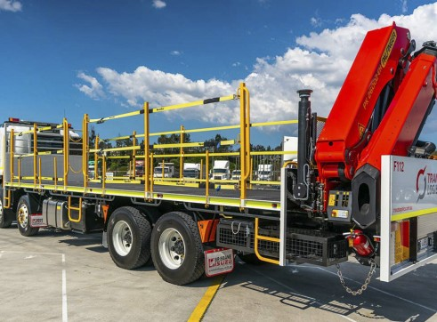8x4 Flatdeck Crane Truck with 9m Tray 5