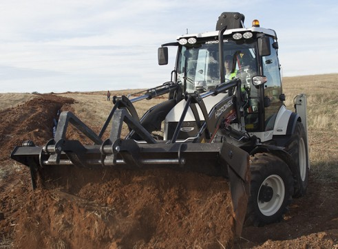 9.1T Hidromek HMK 102B Alpha Backhoe Loader 5