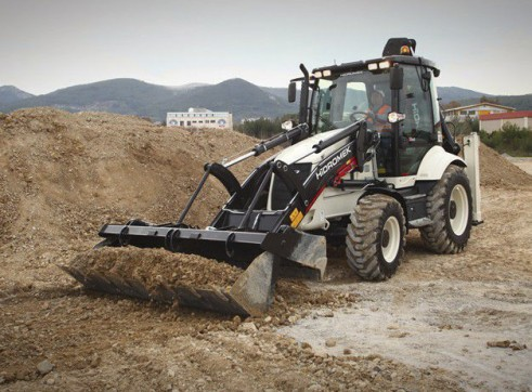 9.1T Hidromek HMK 102B Alpha Backhoe Loader 1