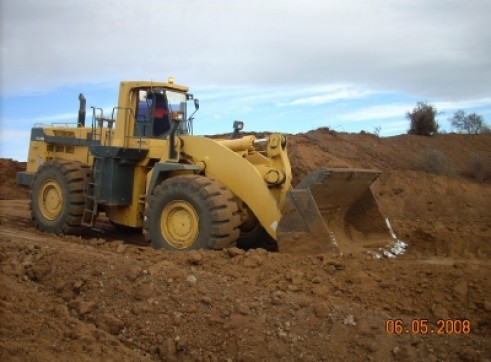 980G Cat Dozer w/attachments 1