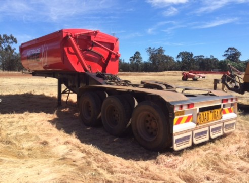 A Trailer Side Tipper 4