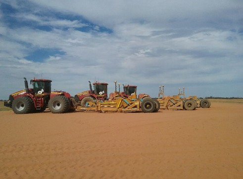 A1 7 x  Case STX 600 & 500 Tractors and scoops 6