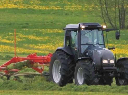 A72, A82 & A92 Valtra A Series Tractor 3