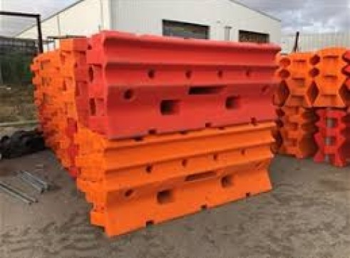Armourzone Water Filled Barriers 1