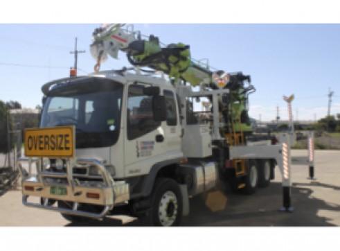 Crane Lifter Borer Truck 3