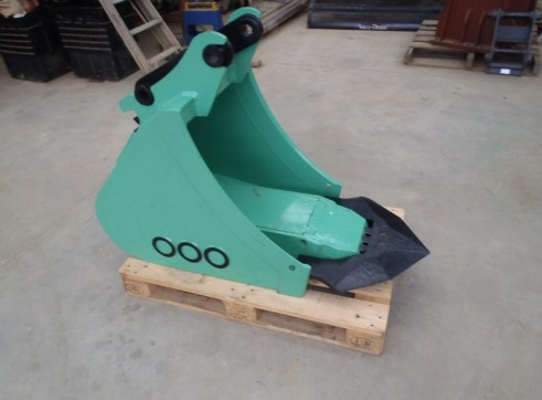 Bucket Hammer to Suit 8 - 12 Tonne