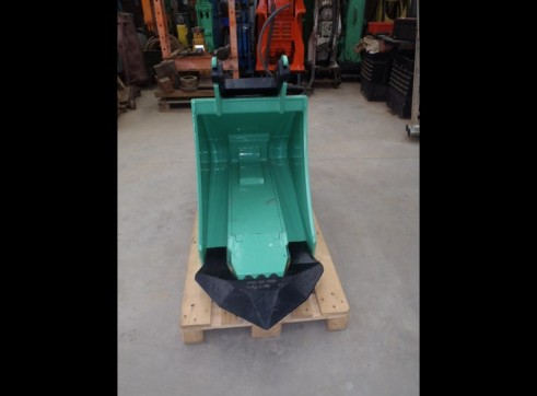 Bucket Hammer to Suit 8 - 12 Tonne 3