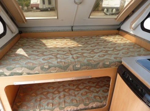 Caravan Accommodation 1-2 Person - Cruiser Camper 2