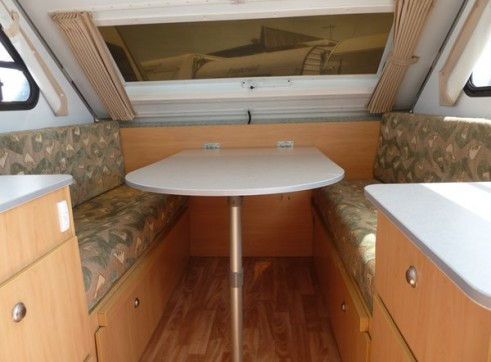 Caravan Accommodation 1-2 Person - Cruiser Camper 4