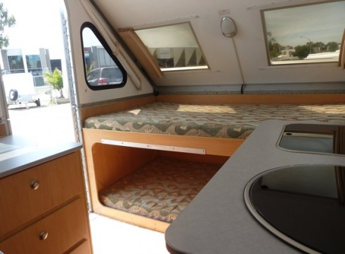 Caravan Accommodation 1-2 Person - Cruiser Camper 5