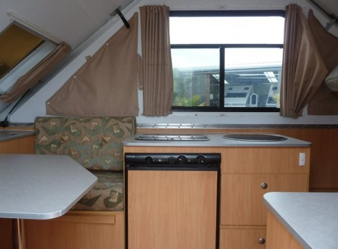 Caravan Accommodation 1-2 Person - Cruiseliner Camper 3