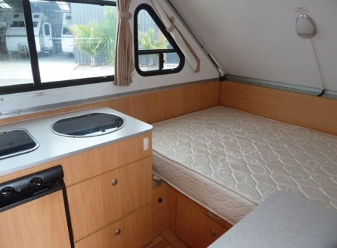 Caravan Accommodation 1-2 Person - Cruiseliner Camper 4