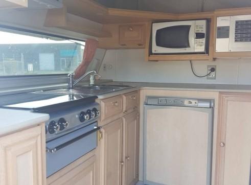 Caravan Accommodation 1-2 Person - Coromal 2