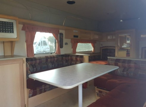 Caravan Accommodation 1-2 Person - Coromal 4