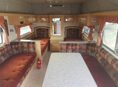 Caravan Accommodation 1-2 Person - Coromal 5