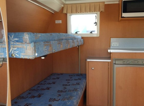 Caravan Accommodation 1-6 Person - Avan Ray 3