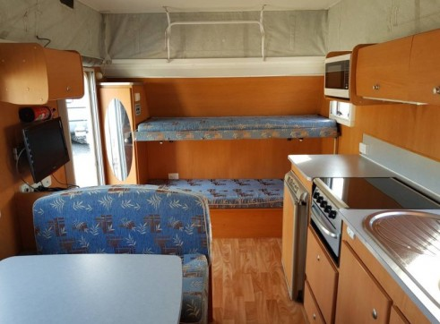 Caravan Accommodation 1-6 Person - Avan Ray 5