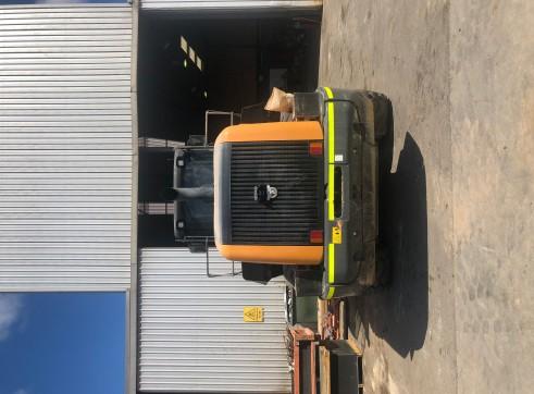Case 1121F wheel loader 2