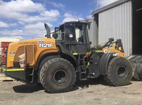 Case 1121F wheel loader