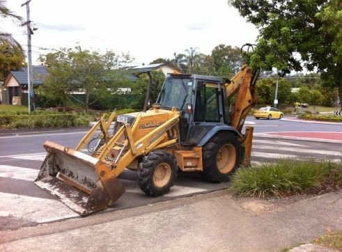 CASE 580SK BACKHOE LOADER 3