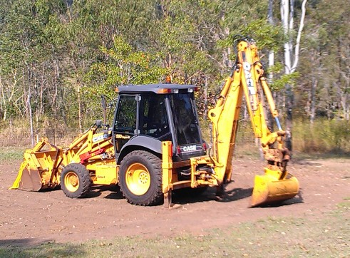 Case Backhoe 590 Series 3 1