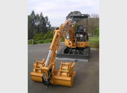 CASE CX36B Excavator (3.6T) 2