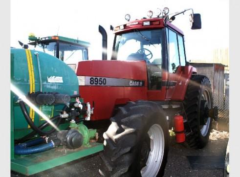 Case IH 8950 Magnum Tractor 250hp 1