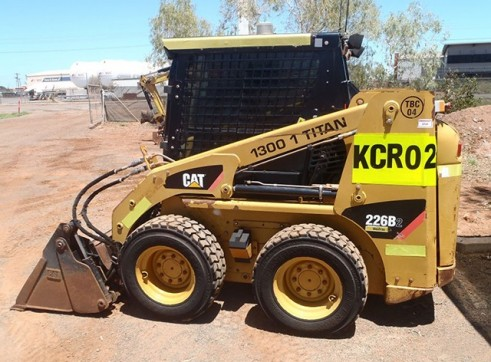 Cat 226B-2 A/C Skid Steer Loader  1
