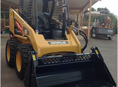 CAT 226B Series 3 Skidsteer 2