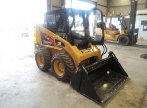 CAT 226B3 SKID STEER LOADER 1