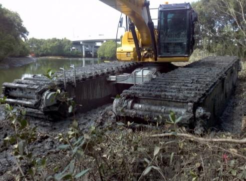 CAT 315DL Amphibious Excavator AMSA survey Certificate No T3701 1