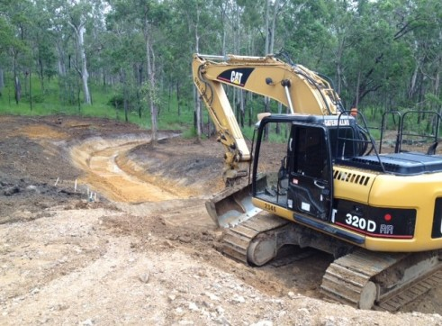 Cat 320DRR Excavator With Blade GPS  2