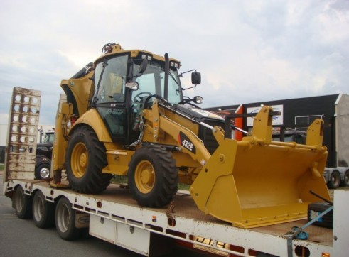 CAT 432E BACKHOE 3