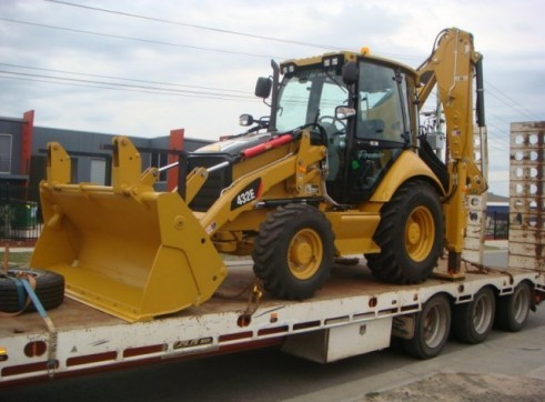 CAT 432E BACKHOE 1
