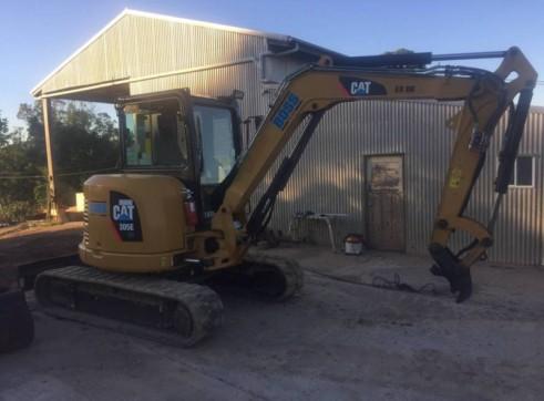 Cat 5T 305E Excavator 4