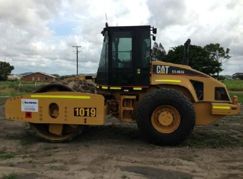 Cat 663E Roller 1