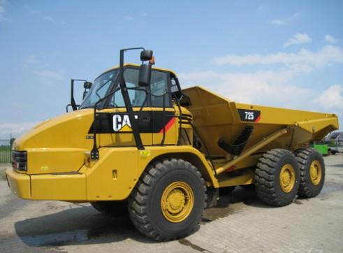 Cat 725 Arctic Dump Truck