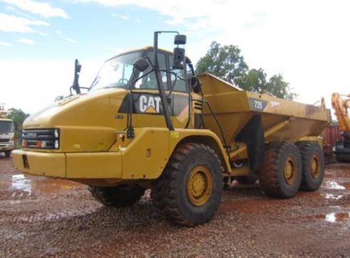Cat 725 Articulated Dump Truck  1