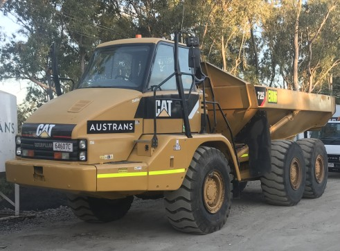Cat 725 Articulated Dump Truck Moxy 1