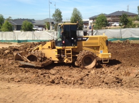 Cat 815F Soil Compactor 1
