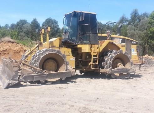 Cat 825G Soil Compactor 1