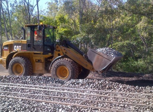 Cat 930 Front End Loader