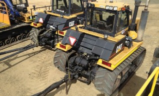Cat Challenger Tow Tractors c/w Air & Ring Feeders 1