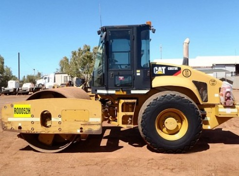 Cat CS56 late model 12T roller  1