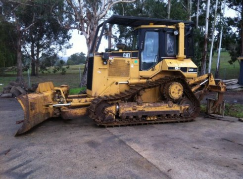 Cat D5M LGP Dozer with 6 way blade & rippers 1