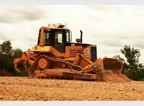 Cat D6M XL Fitted with trimble GPS 2