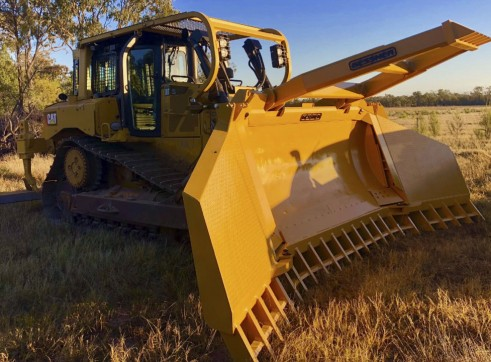 Cat D6T XL Dozer 1